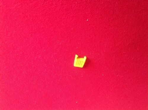 Dinky Toys 165 - Original - Ford Capri Yellow Seat Back